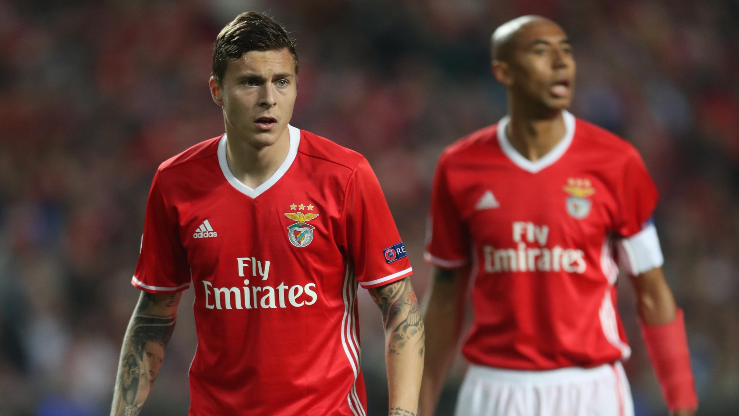 Manchester United sign Lindelof for £40 million from Benfica